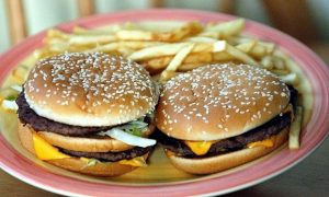 Burgers-and-chips-010